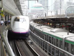 東北新幹線と普通電車